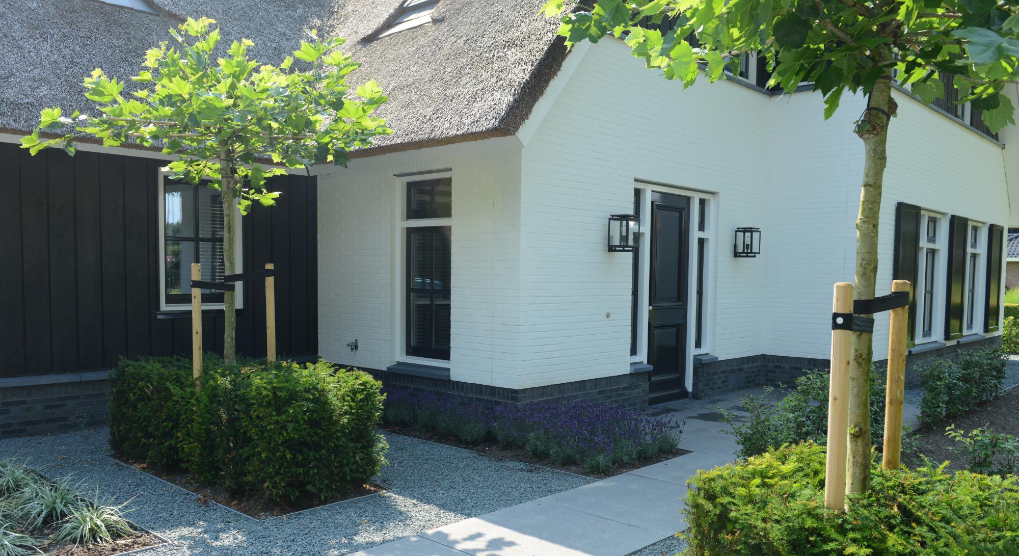 Strakke tuin bij modern landhuis rodenburg tuinen for Tuin modern design