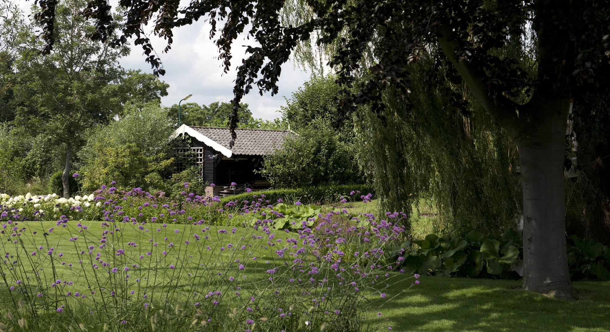 Landelijke tuin bij modern landhuis rodenburg tuinen - Moderne tuin foto ...