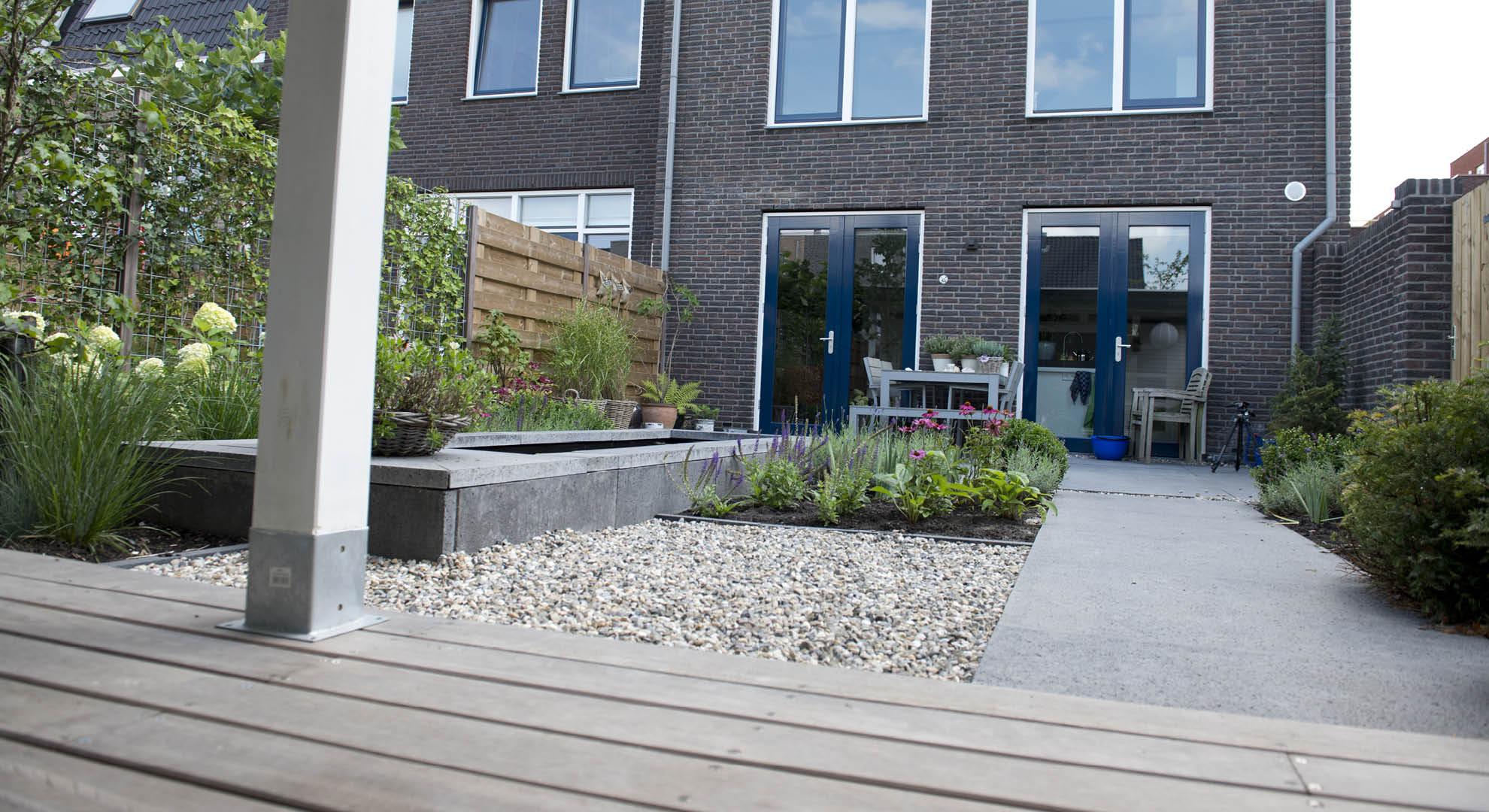 Moderne achtertuin bij nieuwbouwwoning - Foto 9