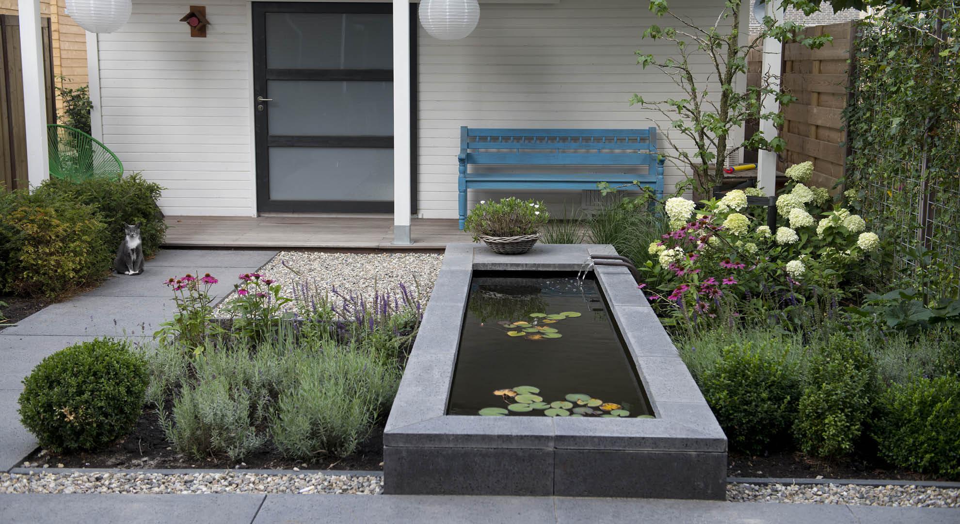 Moderne achtertuin bij nieuwbouwwoning rodenburg tuinen for Moderne kleine tuin