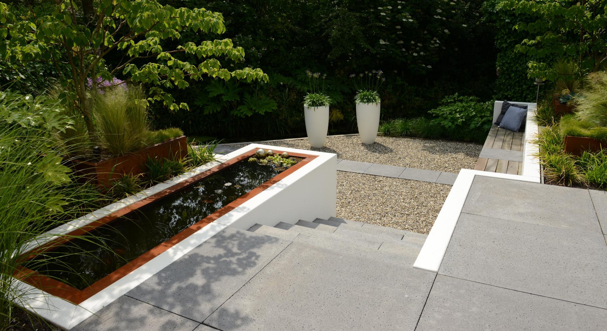 moderne achtertuin met hoogteverschil - Foto 2