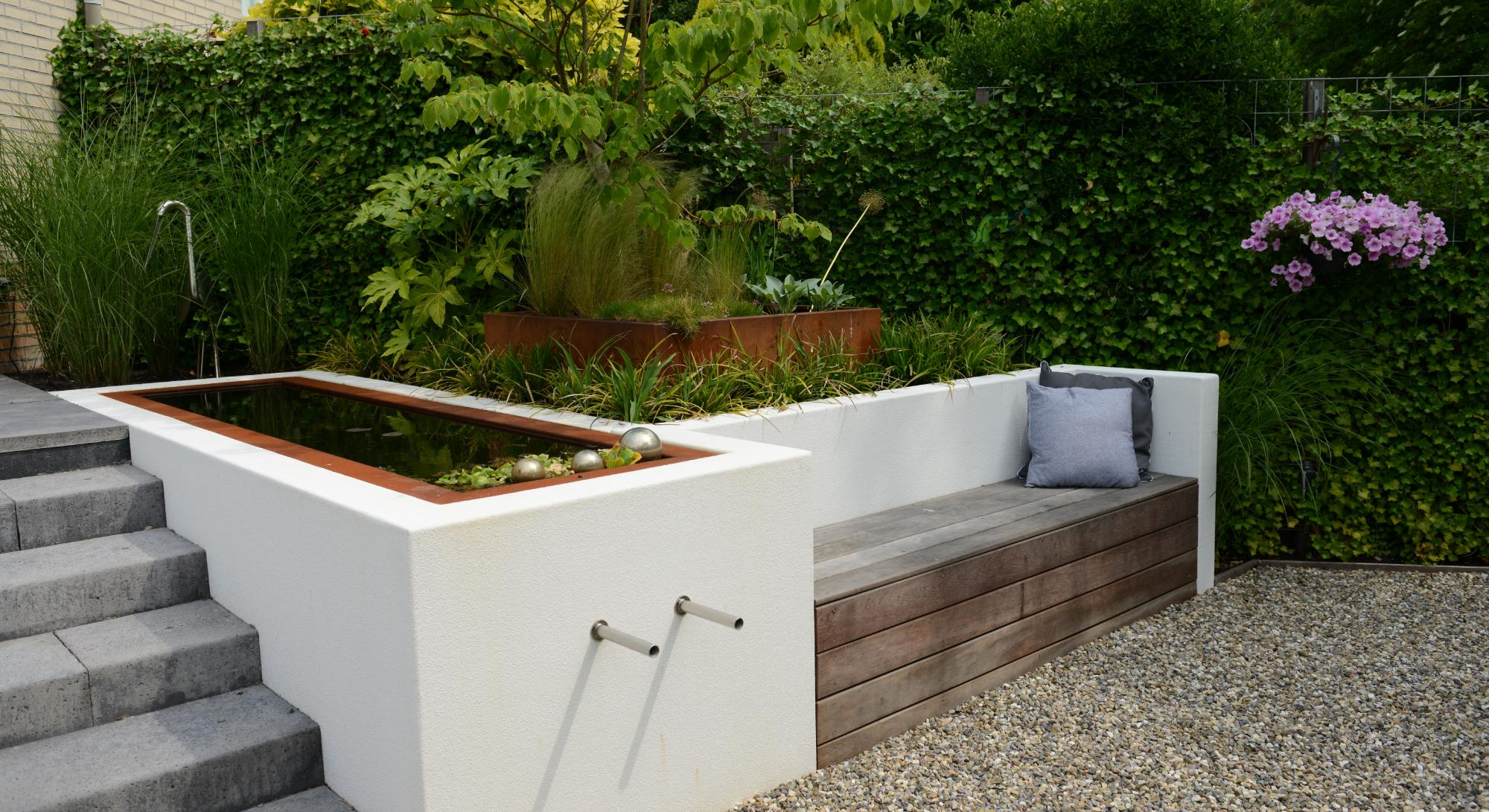 moderne achtertuin met hoogteverschil - Foto 3