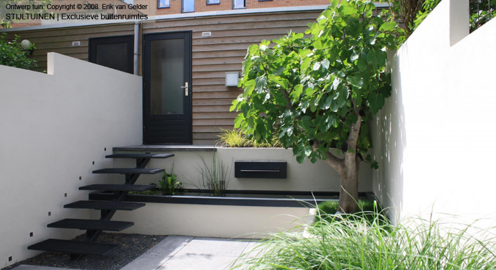 Moderne tuin amsterdam rodenburg tuinen for Moderne waterpartijen tuin