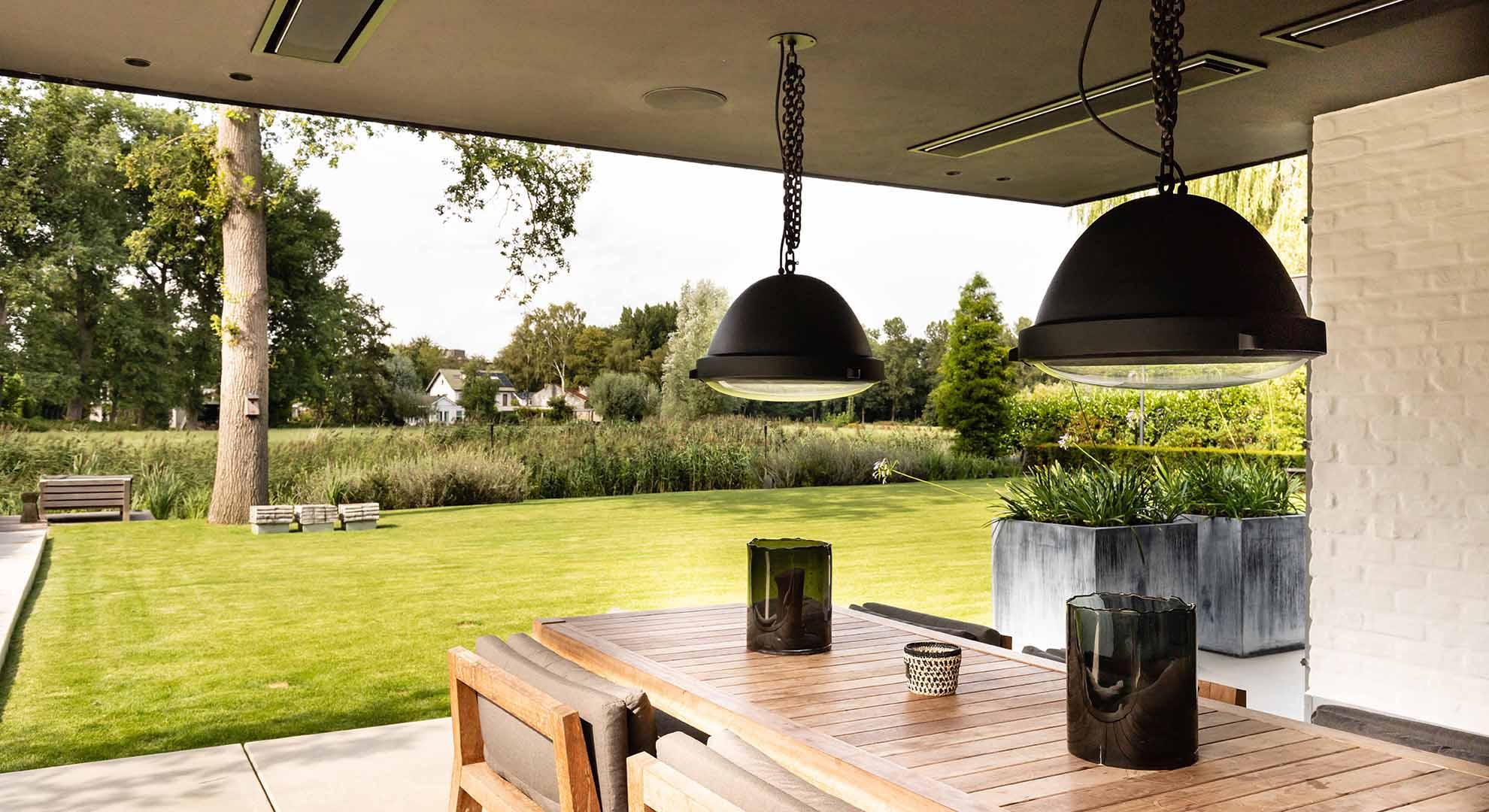 Moderne tuin met zwembad en bijzonder terras - Foto 7