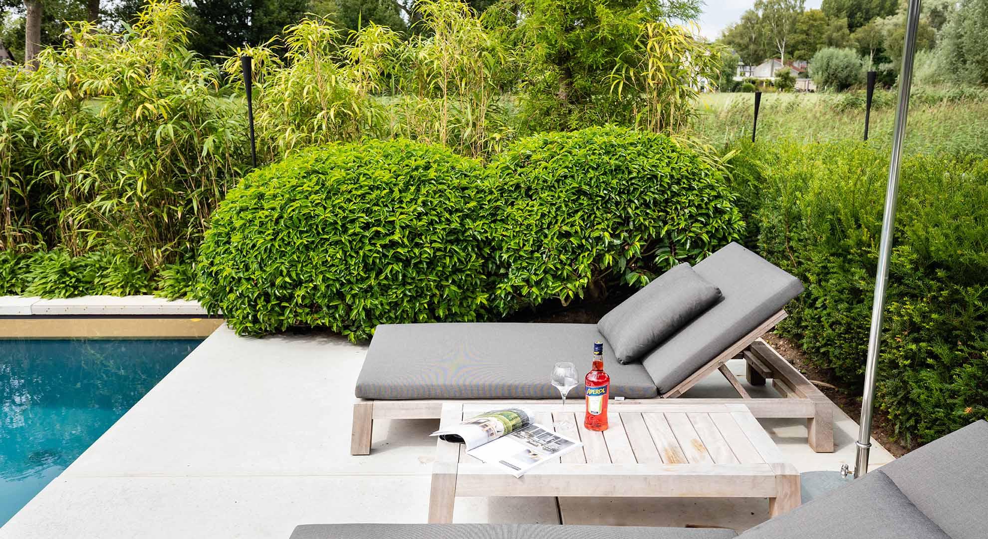 Moderne tuin met zwembad en bijzonder terras - Foto 3