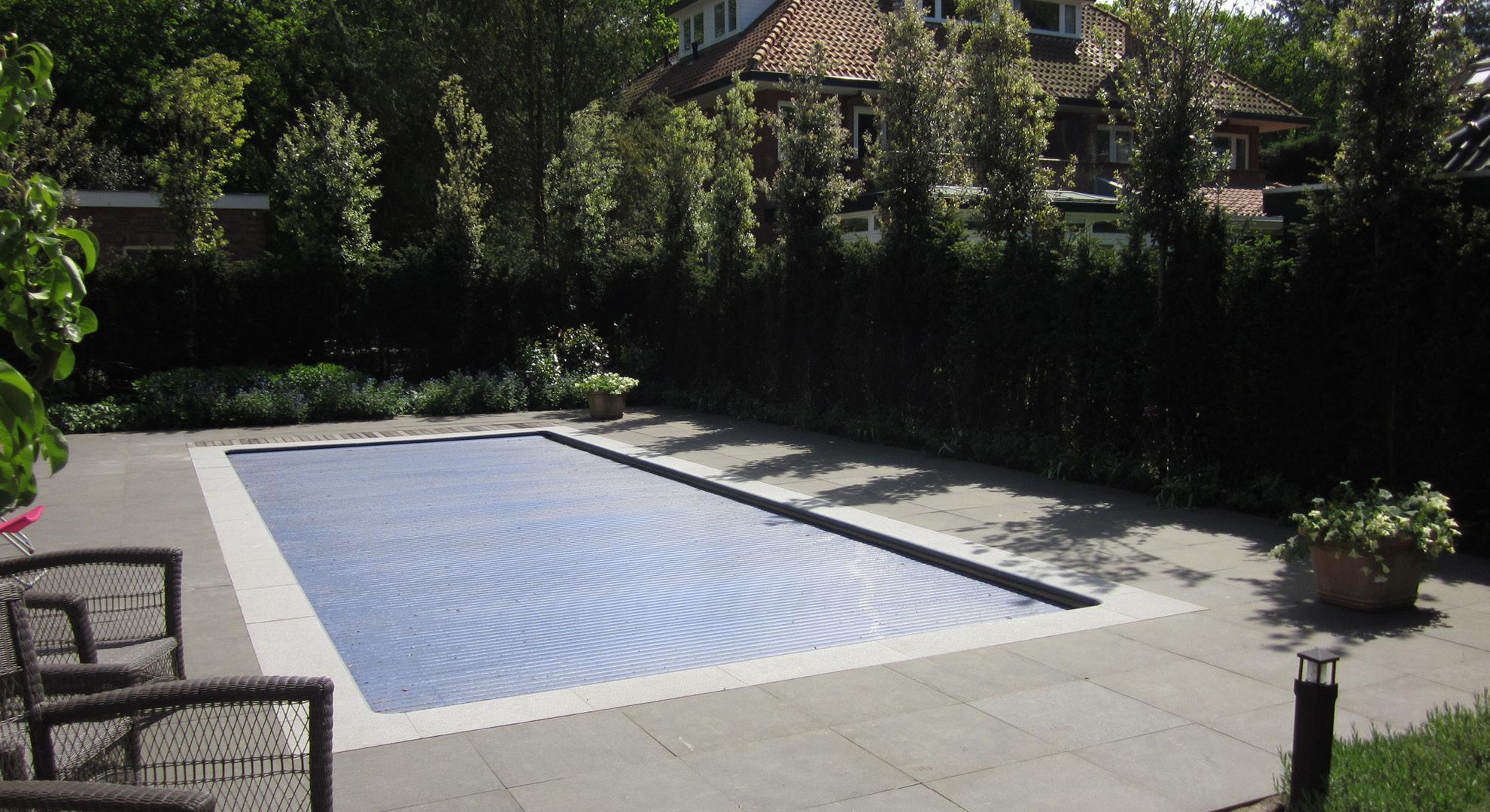 Villatuin met zwembad - Foto 8